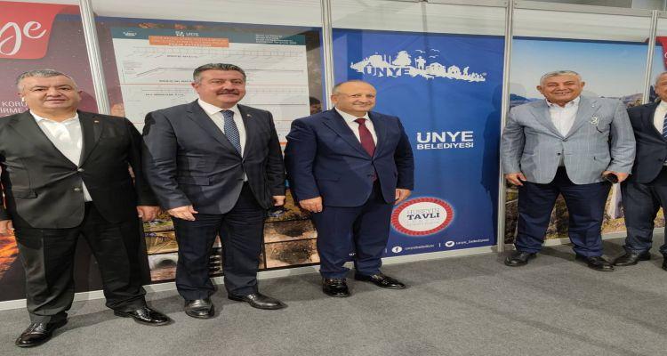 Sarıyer belediye başkanı Şükrü Genç, Merzifon belediye başkanı Alp Kargı ve Çaycuma belediye başkanı Bülent Kantarcı standımızı ziyaret etti