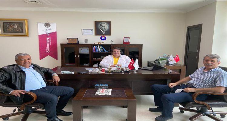 Çakırtepe hastanesinde başhekim olarak göreve başlayan Dr. Ali ÇOŞKUN'a, Borsa Başkanımız Mustafa USLU ve Genel Sekreterimiz Mehmet GÜR. hayırlı olsun ziyaretinde bulundu.