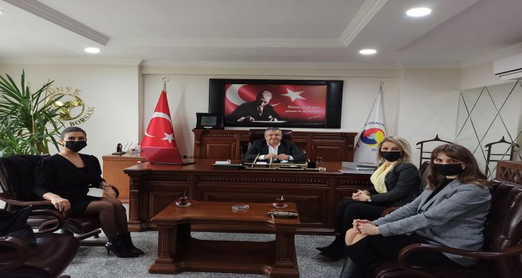 Bahçeşehir Koleji Yöneticileri Borsamızı ziyaret ederek Yönetim Kurulu Başkanımız Mustafa USLU ile görüştüler.