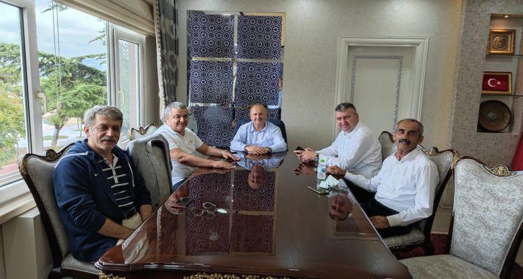 Başbakanımız Mustafa Uslu Ünye Belediyesinde Sayın Hüseyin Tavlı, Ticaret Odası Başkanı İrfan Akar, Ziraat Odası Başkanı Osman Sarıkahraman ve Genel Sekreter Mehmet Gür ile birlikte istişare toplantısına katıldı.