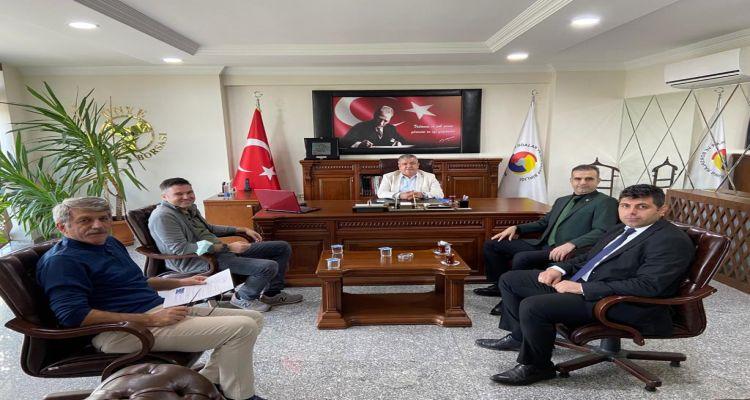 Denetimli Serbestlik Müdürü Serdar Erdoğan ve Denetimli Serbestlik Şefi İlyas Çelebi Başkanımız Mustafa Uslu yu ziyaret etti.