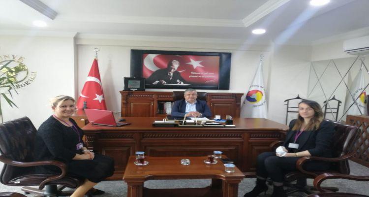 Uğur Okulları Kurumsal İletişim Yöneticisi Neriman Gülay ve Kampüs Müdürü Mehtap Kapadayı borsamızı ziyaret ederek Başkanımız Mustafa Uslu ile görüştü.